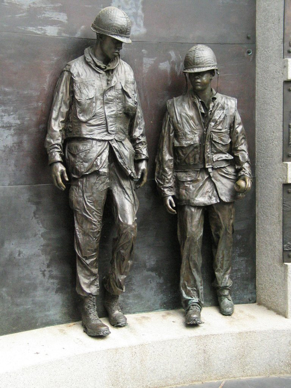 Statue of soldiers from Vietnam memorial in Capitol Park.