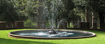 Bourn Fountain image